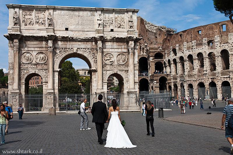 אירופה, איטליה, רומא העתיקה, שער ניצחון קשת קונסנטינוס, קולוסיאום,  Italy, Rome, Roman empire, Colosseum, triumphal Arch of Constantine