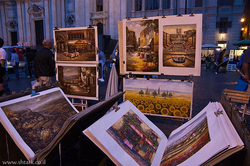 ציורים למכירה בפיאצה נאבונה, איצטדיון דומיטיאנוס, איטליה, רומא   Italy, Rome, Piazza Navona, paintings