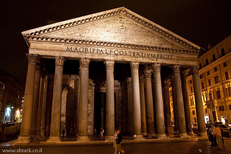 הפנתיאון ברומא, איטליה   Italy, Rome The Pantheon photo at night