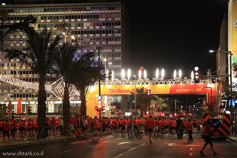 מרוץ הלילה הגדול של נייקי, תל אביב, 2009, זיקוקים,  Nike NightRun Tel Aviv