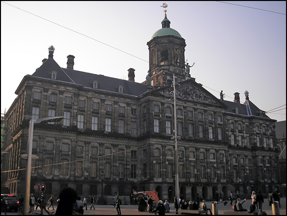 אמסטרדם 5