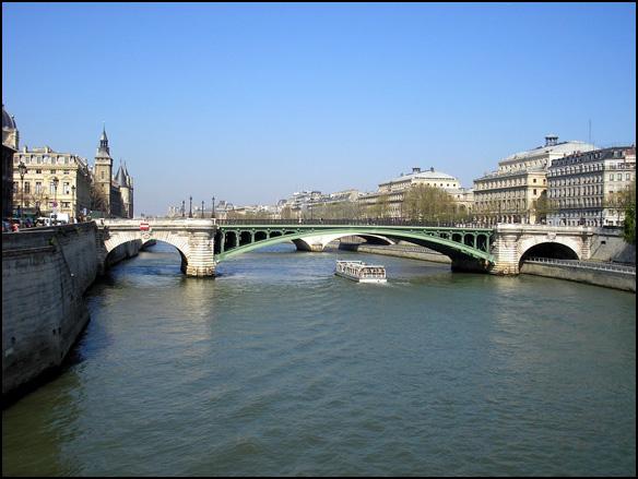 פריז, צרפת - נהר הסן