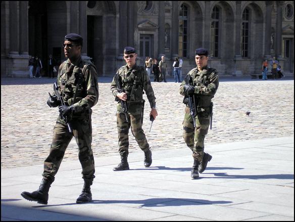 צרפת, פריז, חיילים צרפתיים